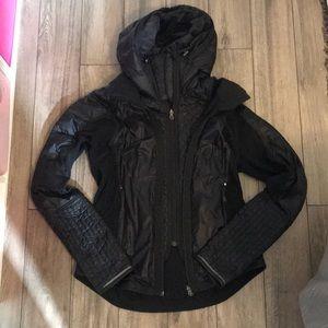 Lululemon puffer jacket size 6